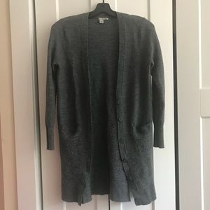 Halogen Gray Long Sleeve Cardigan w/ Button Detail